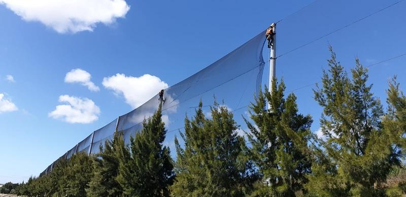 Montagem de redes de vedação e proteção